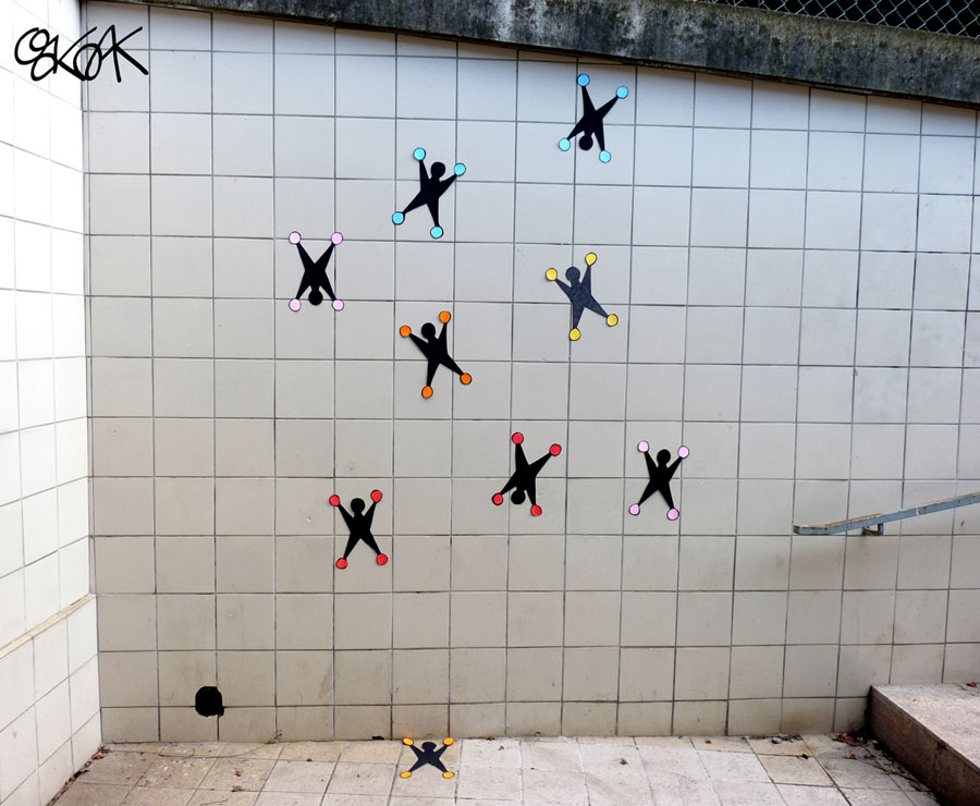 Les bonhommes sur les vitres by Oakoak