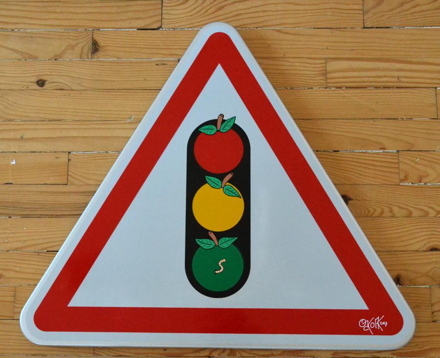 Pom pom pom by Oakoak - panneau de signalisation, feutres