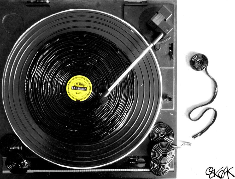 Vinyle en réglisse by Oakoak