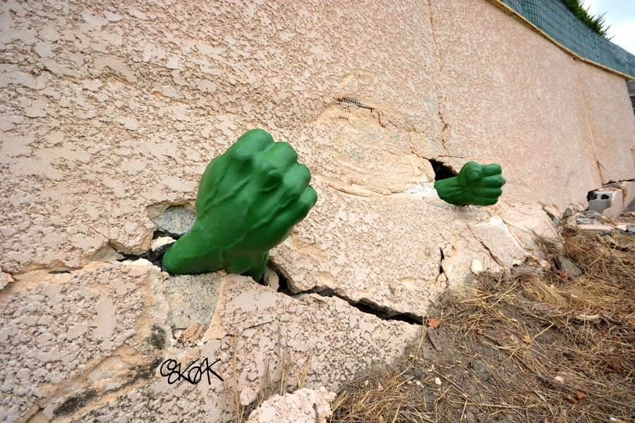 Hulk is angryyyyy by Oakoak - Loire, France, Juillet 2015