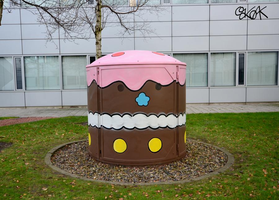 The big cupcake by Oakoak - Amsterdam, Schipole, Novembre 2016